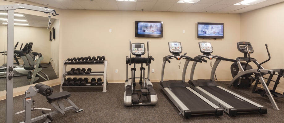 State-of-the-art fitness center : Available to all tenants